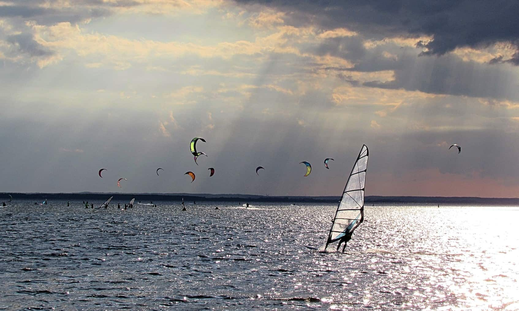 windsurfing easier than kitesurfing