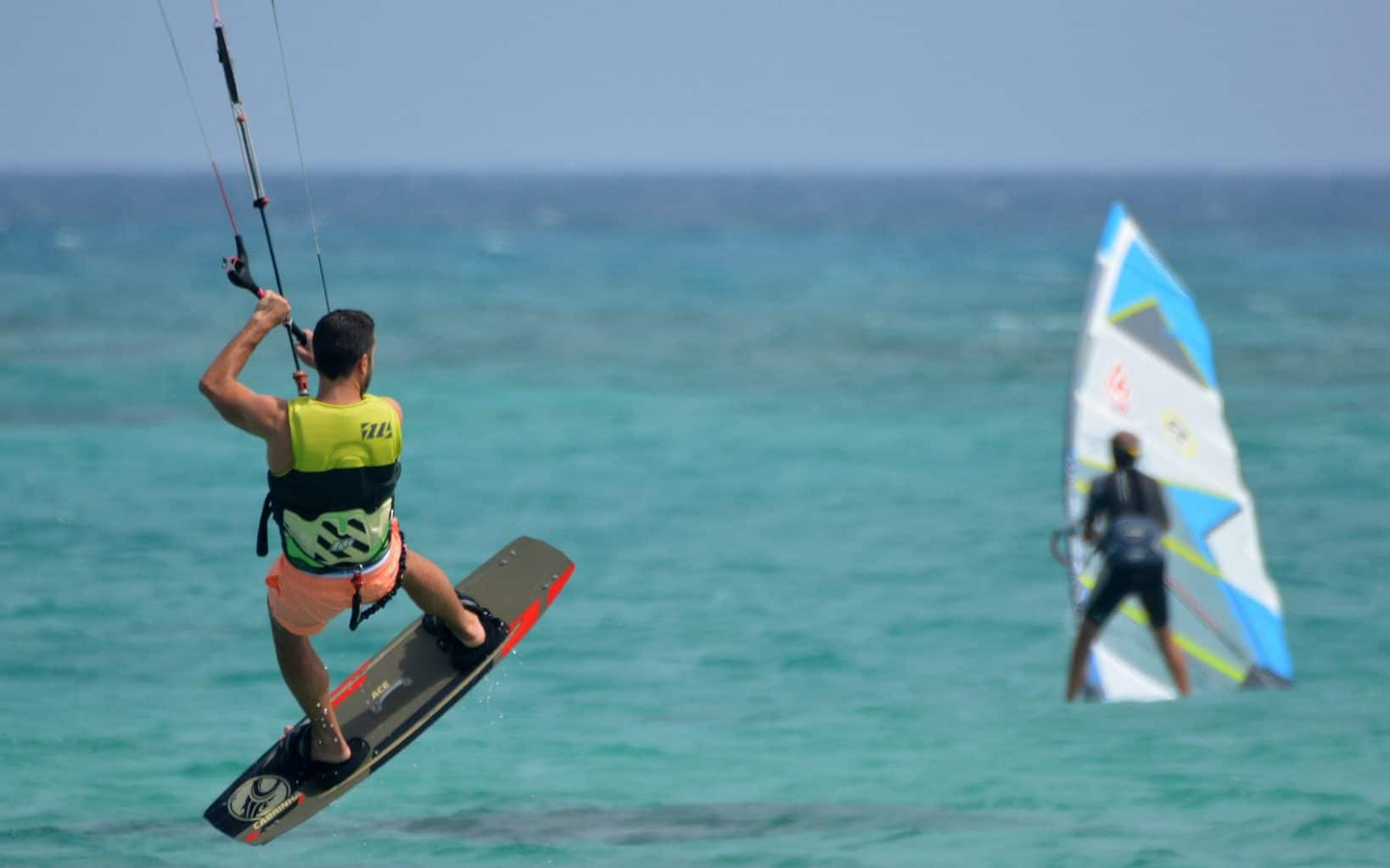 windsurfing faster than kitesurfing