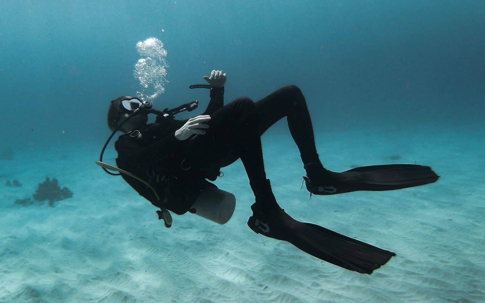 is scuba diving good workout