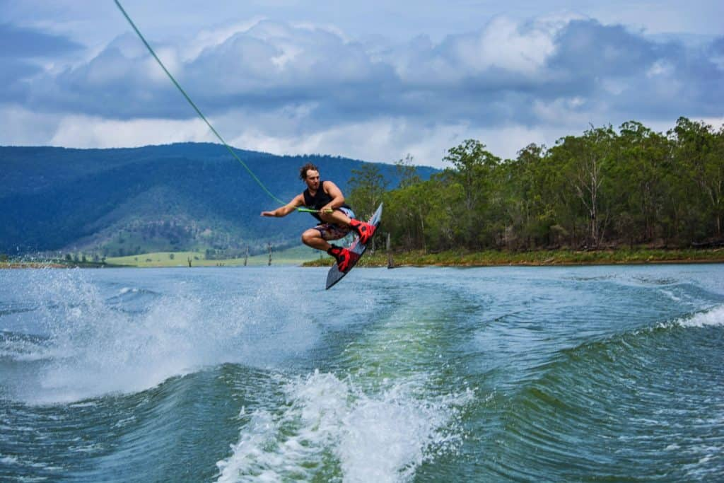 is surfing like wakeboarding
