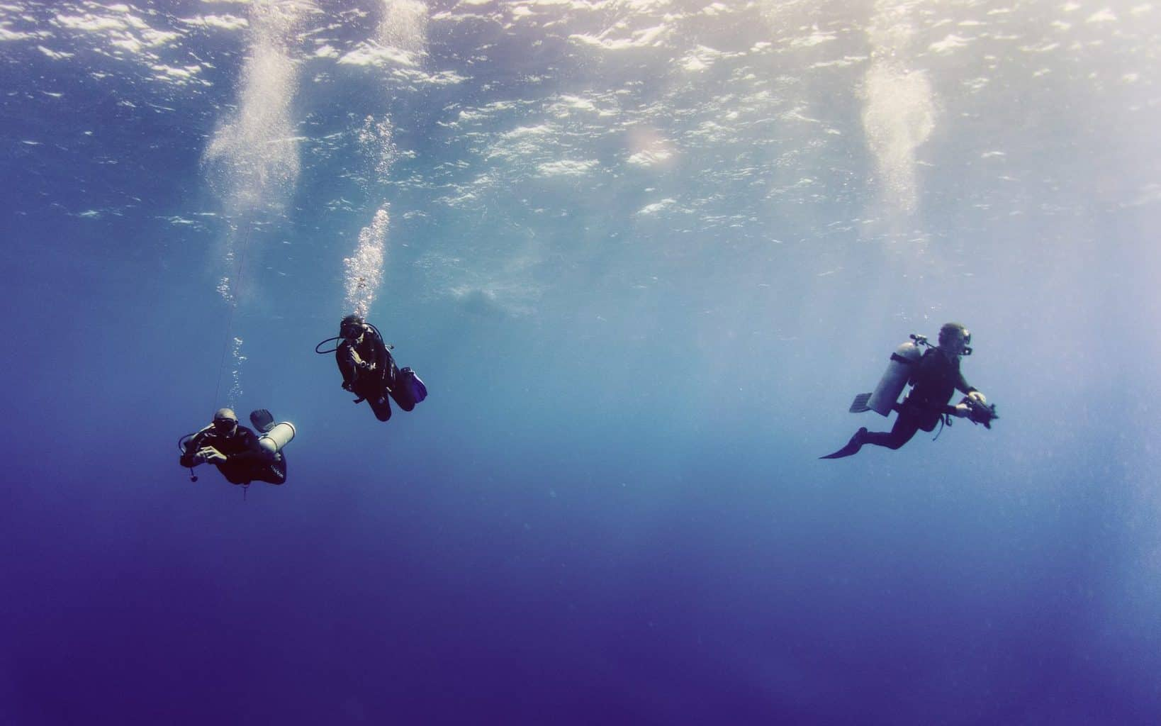 How Fast Can You Descend Scuba Diving