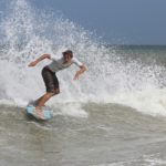 Surfing vs Skimboarding Differences