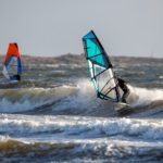 Surfing vs Windsurfing Differences