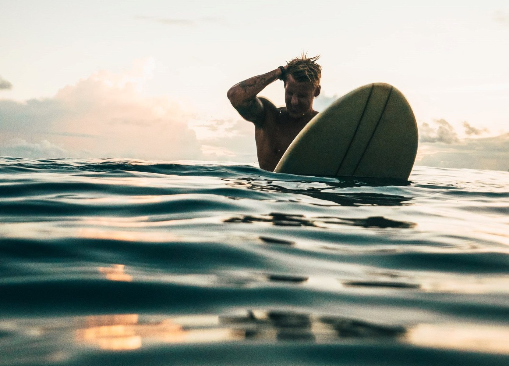 Do Surfers Carry Knives