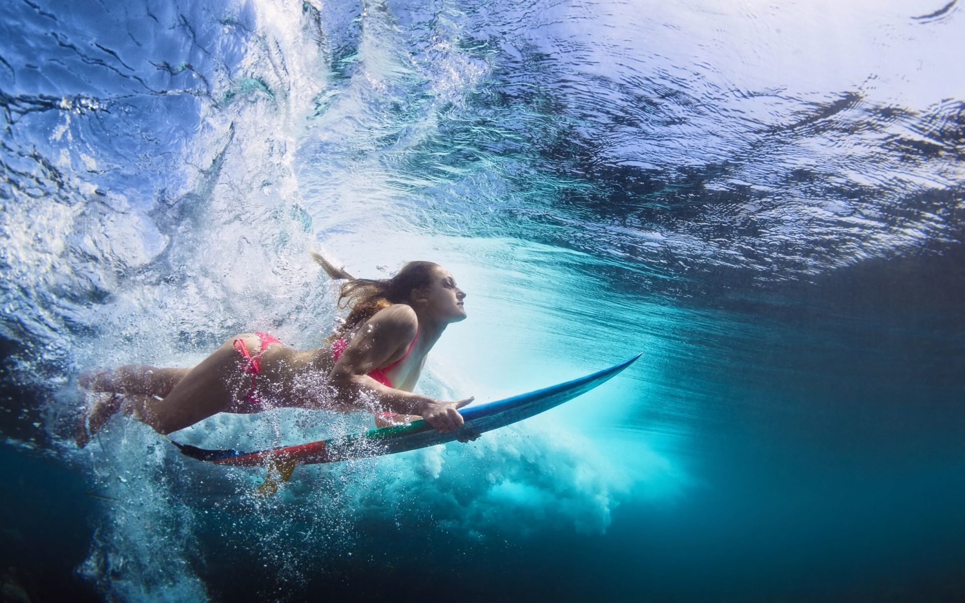 Do Surfers Open Their Eyes in the Ocean